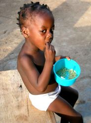 child-with-rice